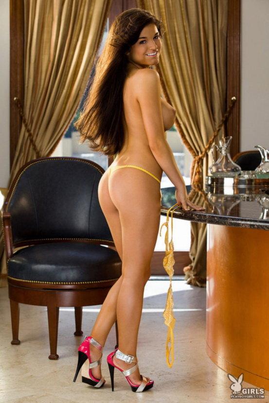 Эротическая галерея соблазнительной девушки в желтом белье