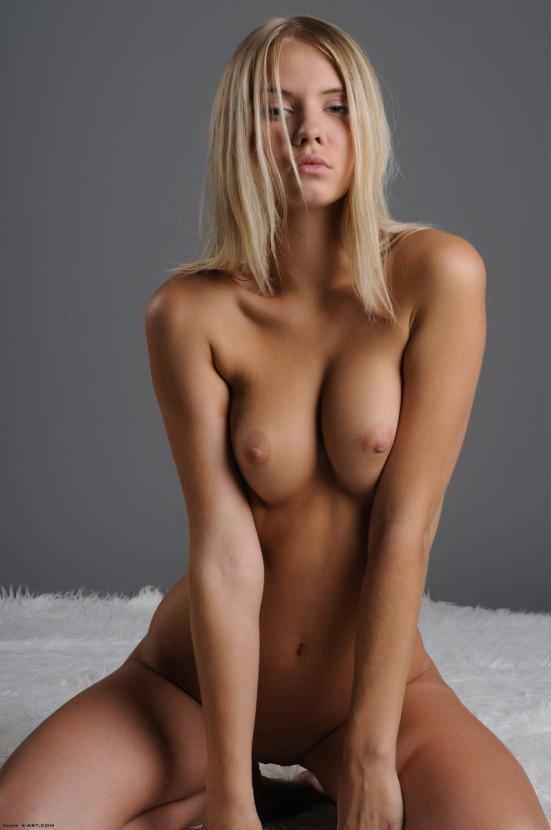 голые девушки фото блондинки