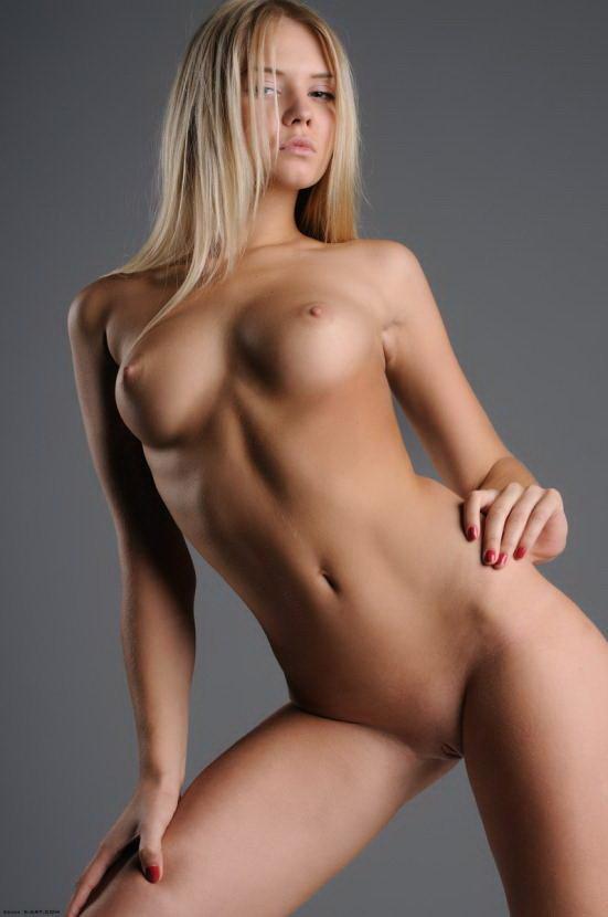 Фото голых героев