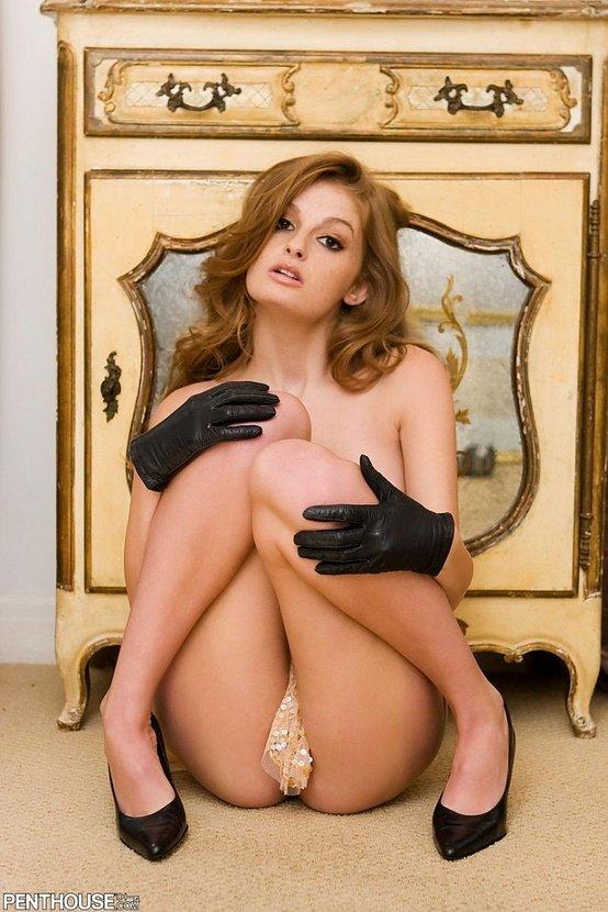 Эрогалерея девушки в коротких черных перчатках