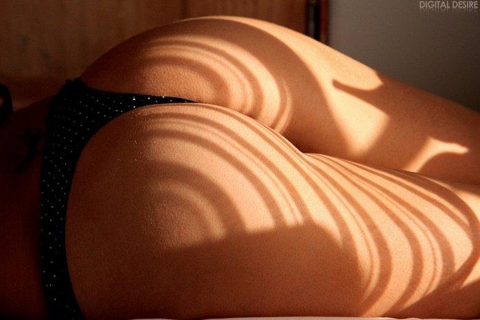 Эрогалерея чувственной брюнетки в черном белье