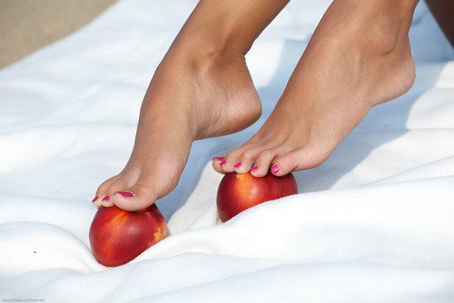 eroticheskie-foto-zhenskie-nogi