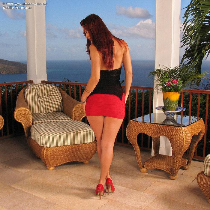 Девушка в красной юбке порно