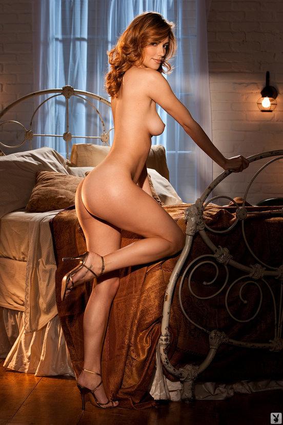 Эрогалерея красивой рыженькой девушки в кружевном белье